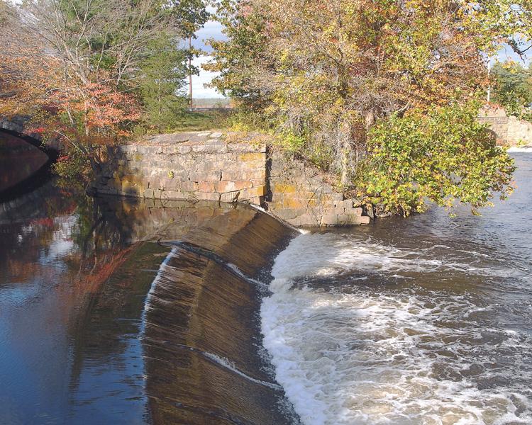 blackstone canal locks