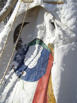 72-teepee-door-winter