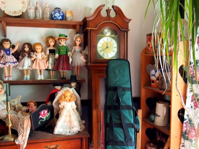 Dolls and a dulcimer