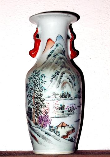 Qianlong (1736-1795) porcelain vase. Broken in crash.