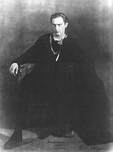 220px-John_Barrymore_Hamlet_1922