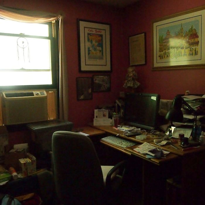 Office by window light - Photo: Marilyn Armstrong