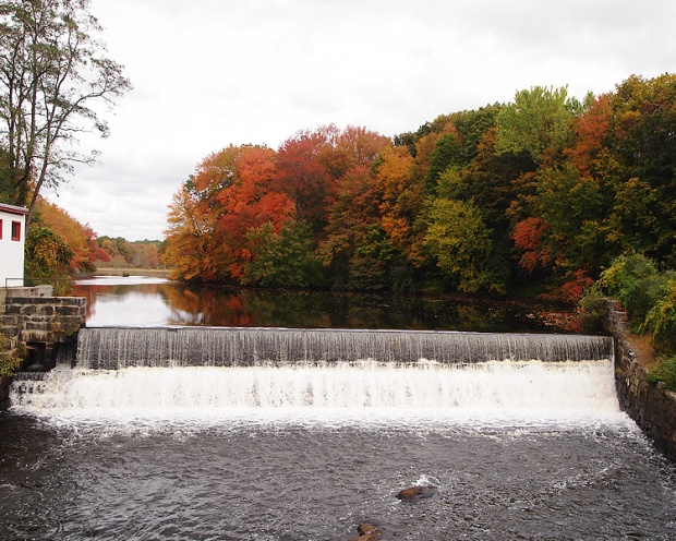 Mumford Dam in Uxbridge