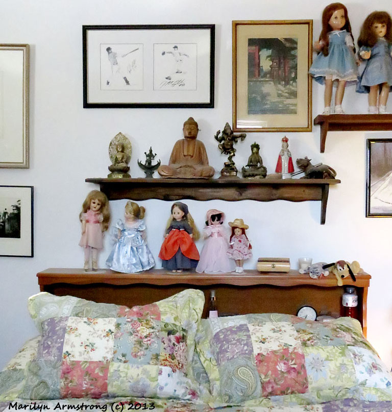 Gods and dolls in the bedroom