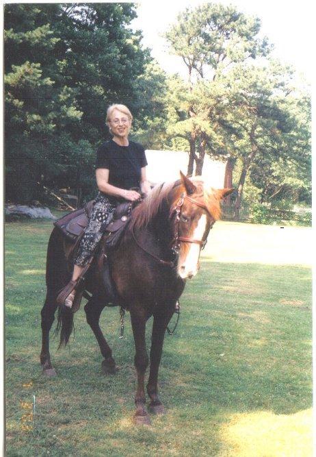m-horseback-small