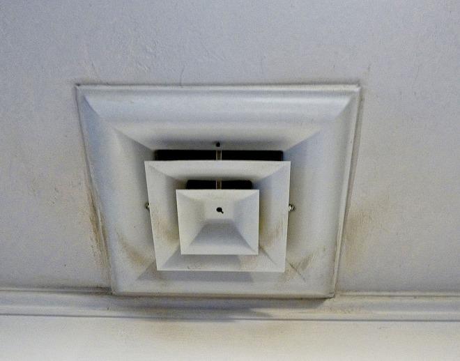 The elegant, understated kitchen vent.