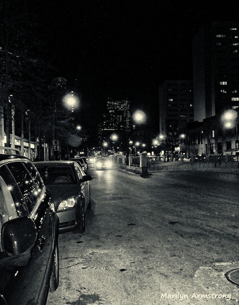 75-BW-CityNight_079