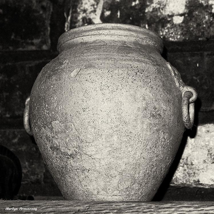 Han Pot Ca. 206 BC–220 AD