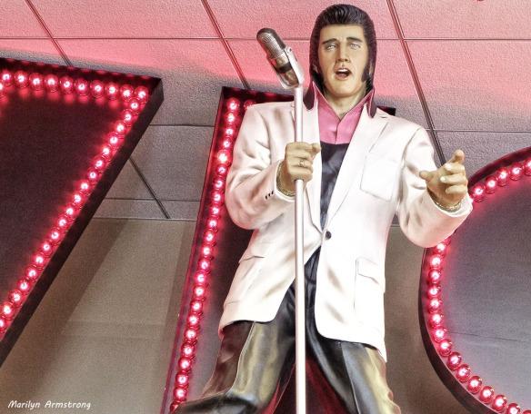 75-Elvis-Imperial_05
