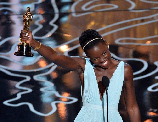 Lupita-Nyongo-Oscars-2014