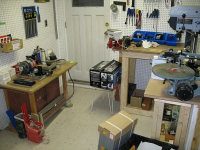 Taig_metal_lathe,_Drill_press_and_Workbench