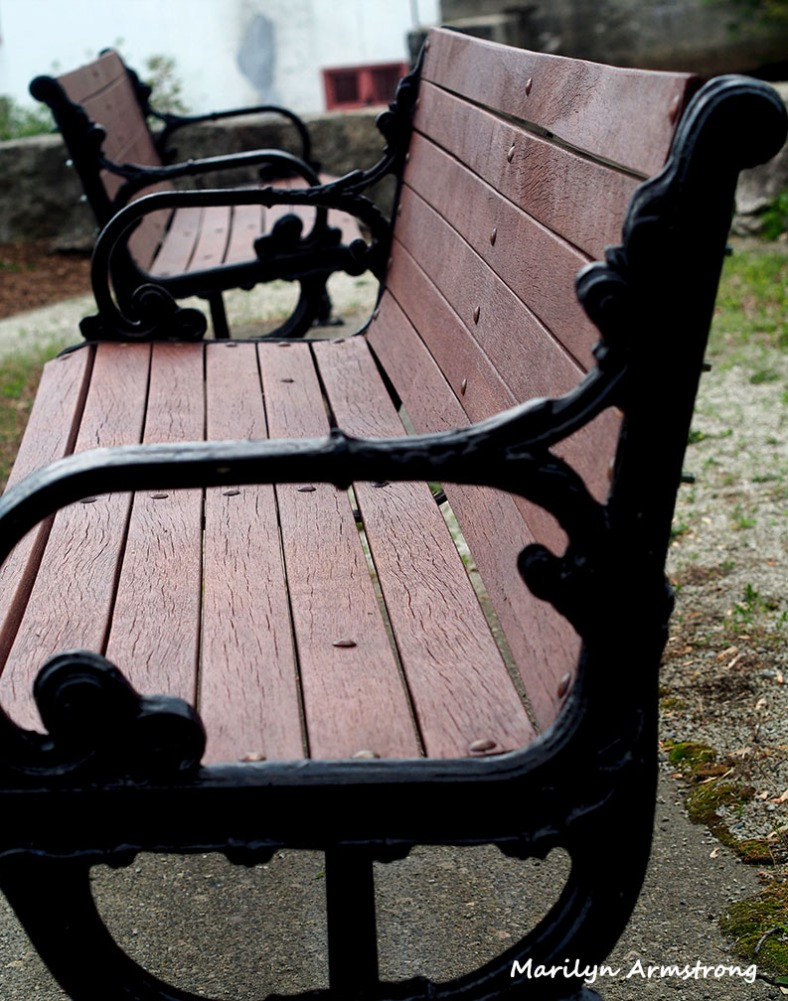 benches mumford uxbridge