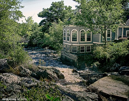 75-House-On-River_1