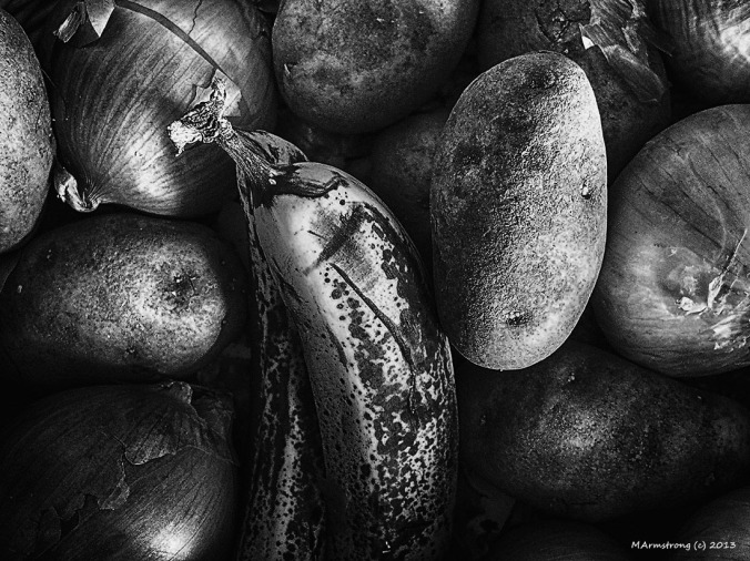 potatoes onions and banana