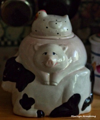 pig cow chicken canister