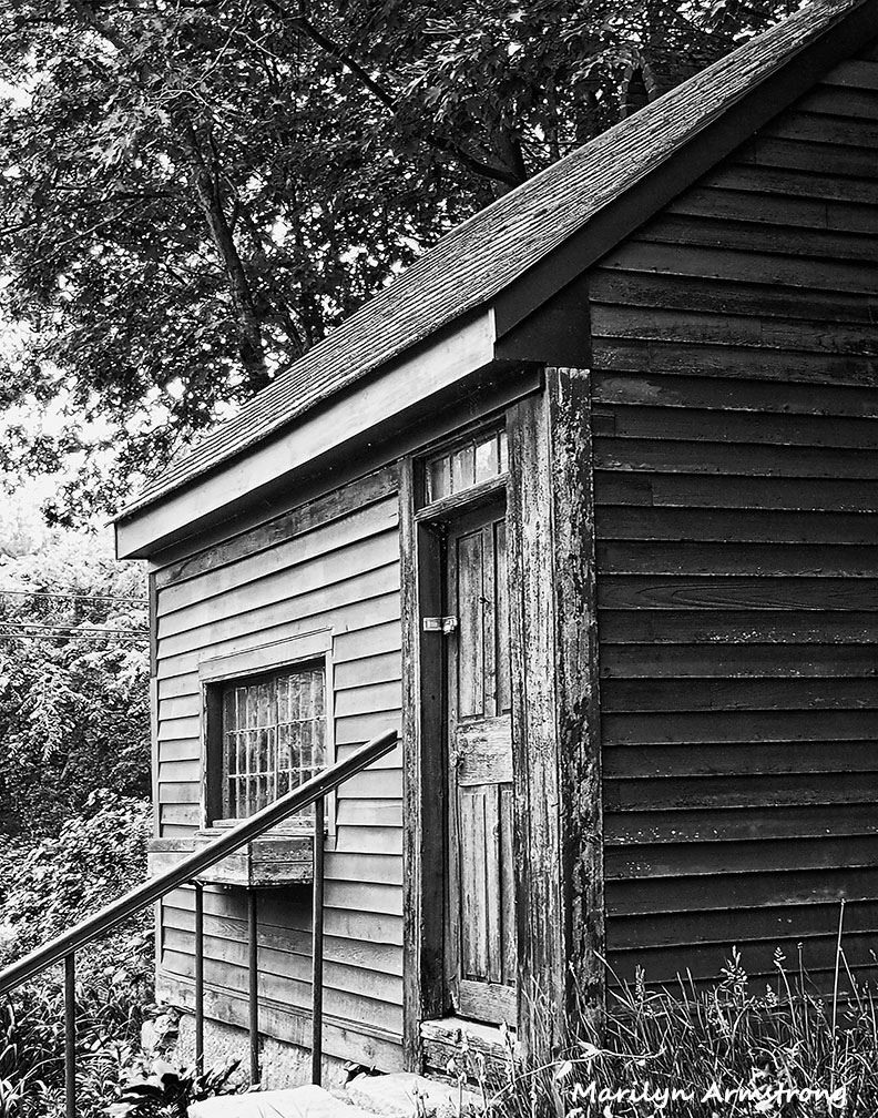 Forge House - wood house from the 1700s