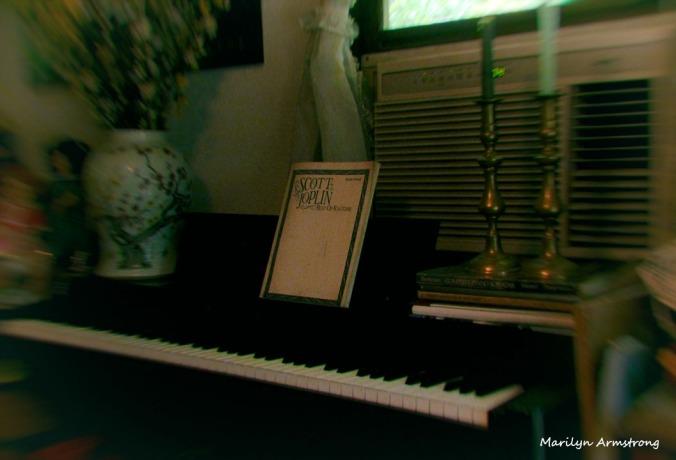 72-Piano_23