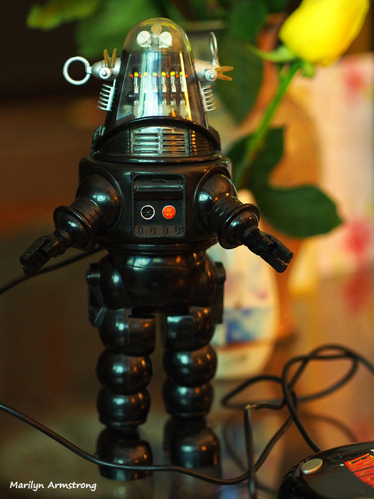 Robby the Robot Forbidden Planet unboxed