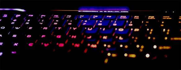 72-alien-102914_14 computer keyboard