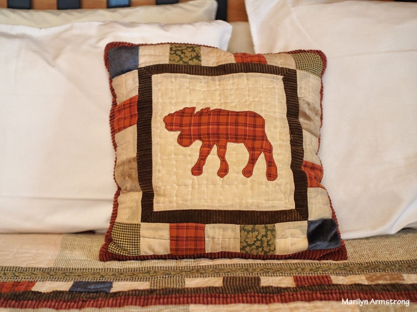 moose throw pillow quilt