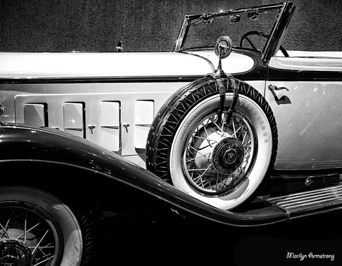 BW Antique car wheels