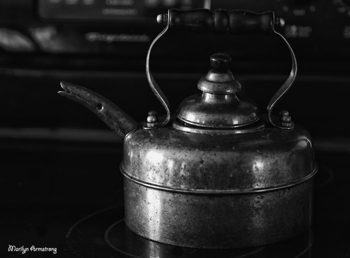 copper kettle kitchen BW