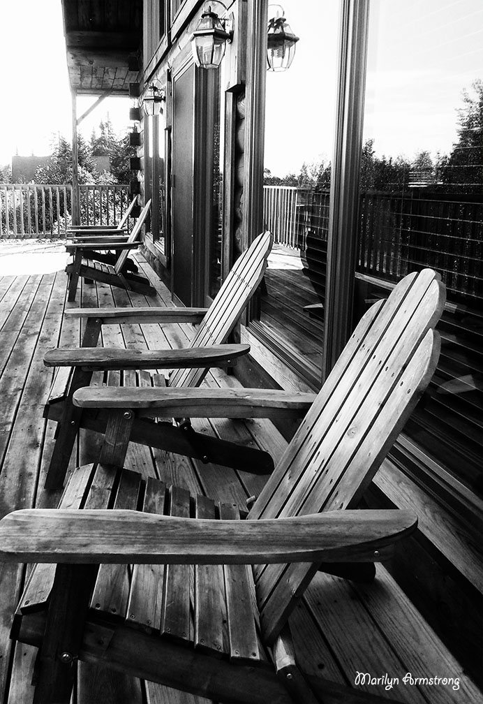 72-BW-Sept-table&Chairs_08