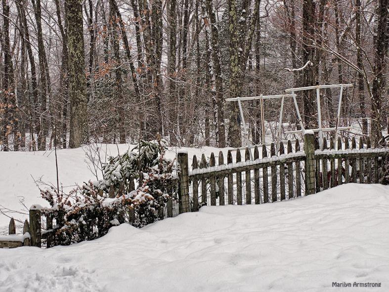 72-Q7-Snowing-front_18