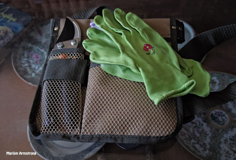 72-Gloves-Tools-0502_22