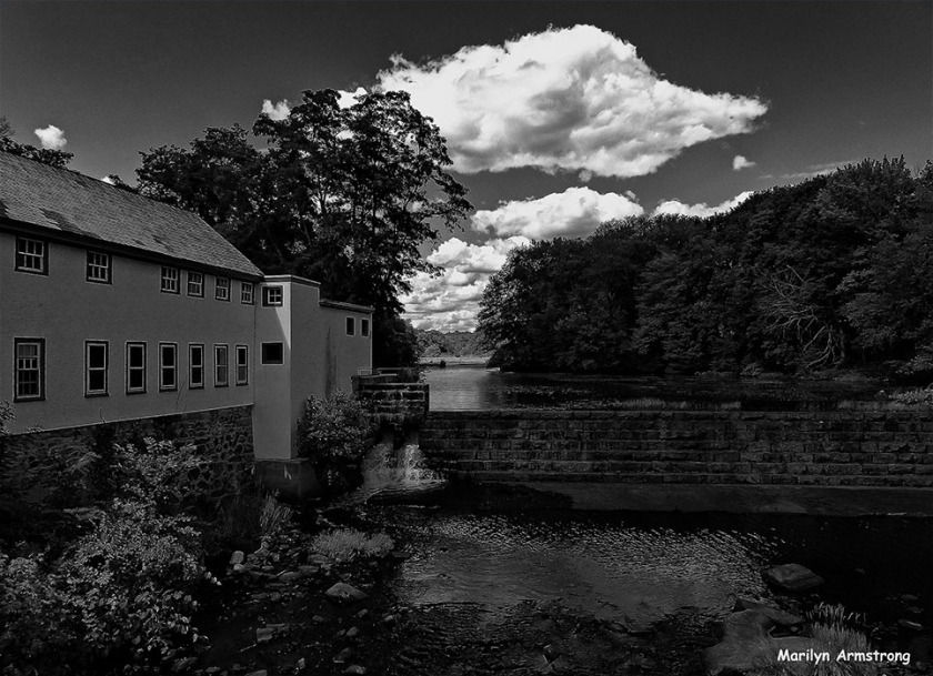 72-BW-Clouds-Mumford-River-0807_190