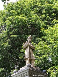 72-Statue-Uxbridge-0807_151