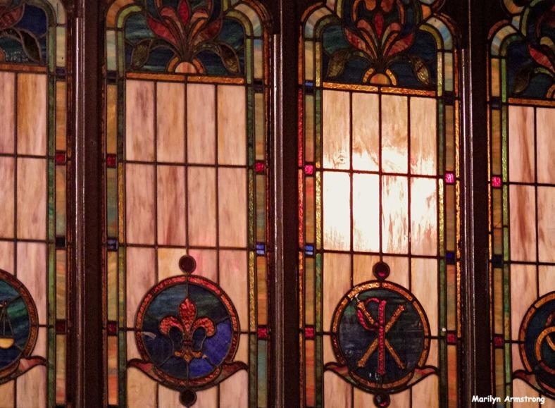 Windows at Joes American Bar & Grill