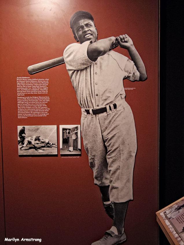 72-Jackie-Robinson-Baseball-HOF_038