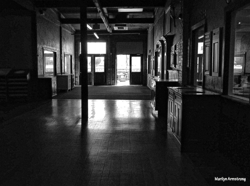 72-bw-hallway-architecture-16