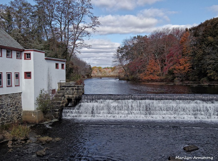 72-Mumford-Autumn-Uxbridge-MA_020