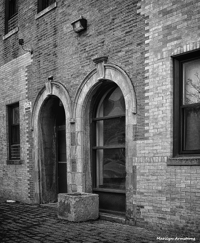 72-BW-Arches_1