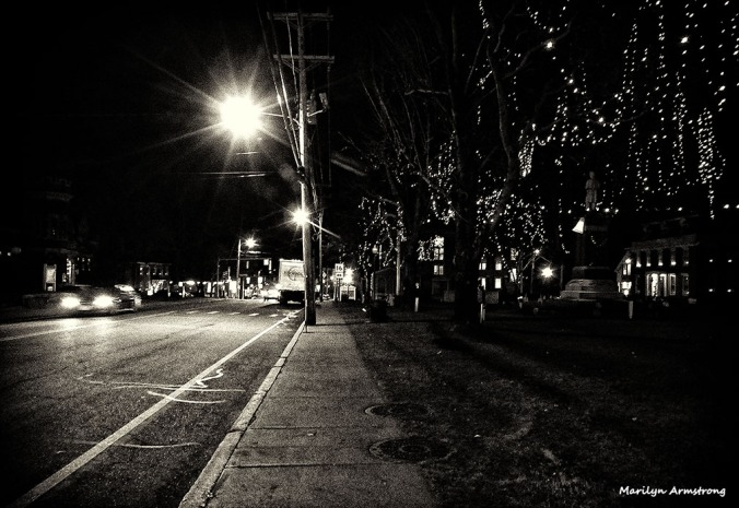 72-BW-Night-Main-St-Uxbridge2-121015_126