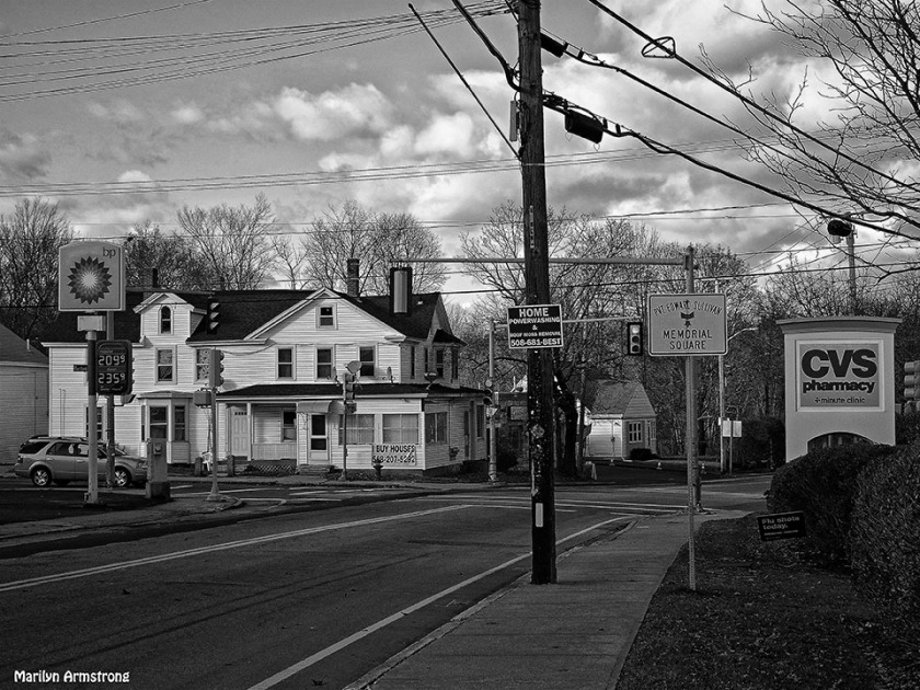 72-BW-Signs-Main-St-Uxbridge--120315_020