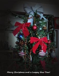 72-Merry-Christmas-Tree-Vignette-122115_005