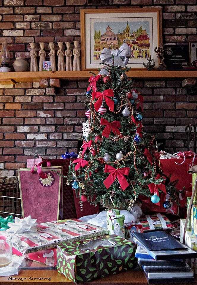 72-Tree-Christmas-Eve--122415_02 (1)