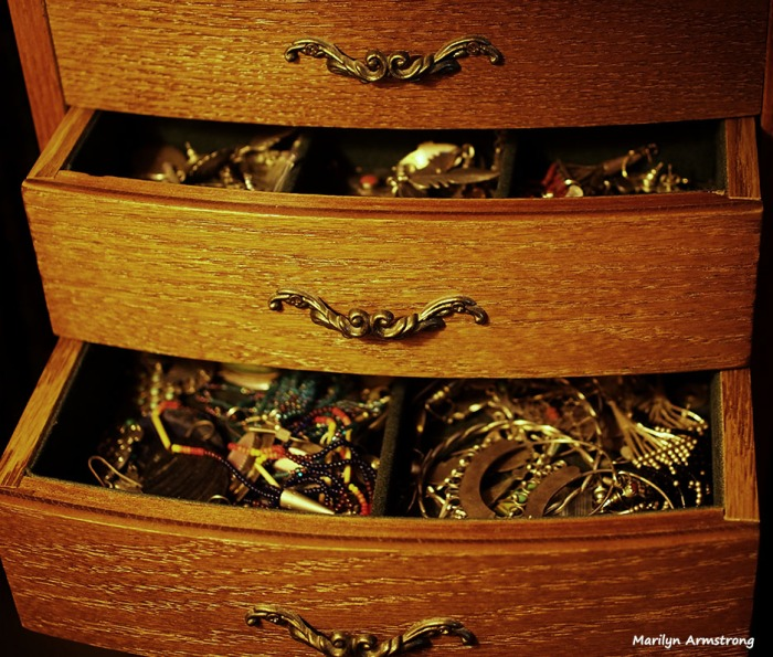 Jewelry drawers in chest