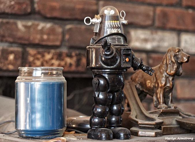 72-still-life-with-robot-032616_054