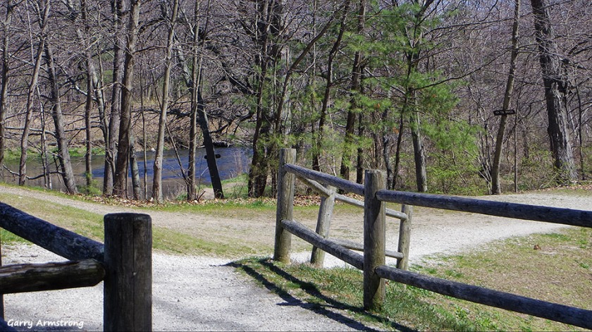 Intersection of trails by the Canal