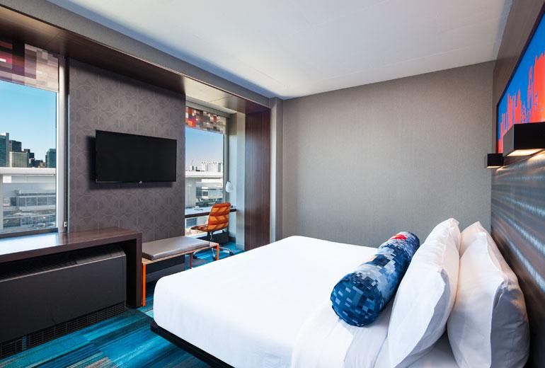 aloft guest room