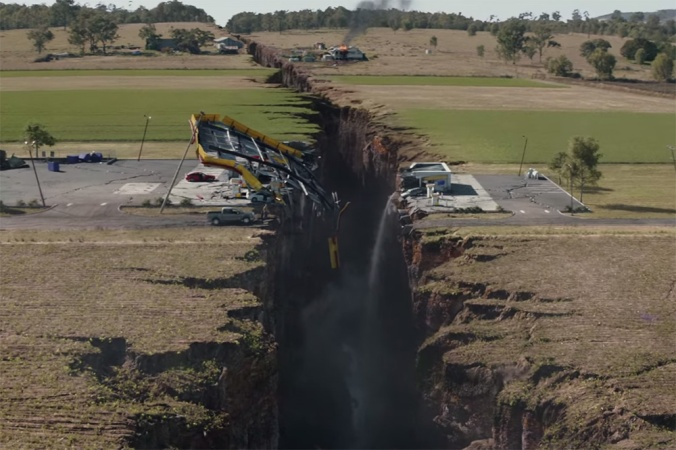 san-andreas-fault-with-dwayne-the-rock-johnson-000
