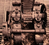 72-BW-Sepia-Gears-Locks-Canal-082216_02