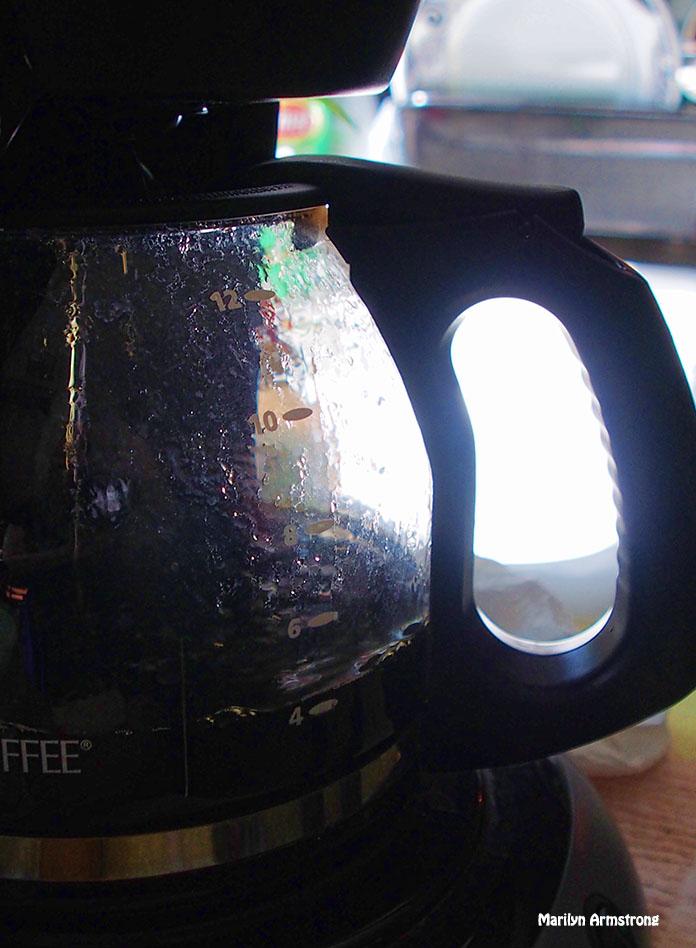 72-coffee-brewing-kitchen-sun-080916_11