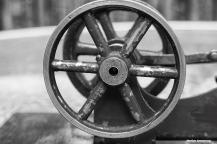 72-wheels-steam-engine-080416_004