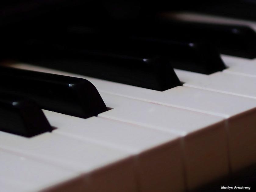 72-music-keyboard-090216_09