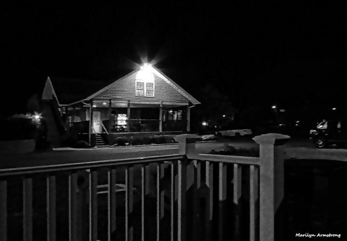 72-bw-clubhouse-night-curley-09222016_130